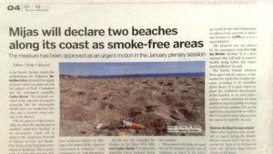 Ett tidningsurklipp på engelska där det står att två stränder i Mijas kommer att blir rökfria områden.