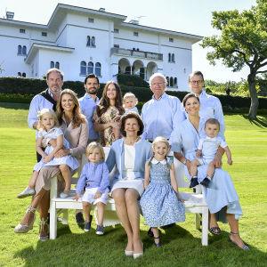 Svenska kungafamiljen på Solliden sommaren 2017.