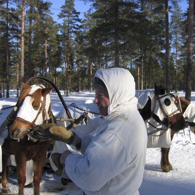 Dokumenttielokuva kertoo talvisodan taustoista ja taisteluista.