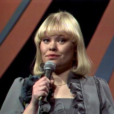 Anneli Saaristo esittää kappaleen Sinun kanssasi, sinua ilman Suomen euroviisukarsinnassa 1978.