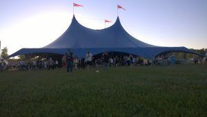 festivalens tältscen