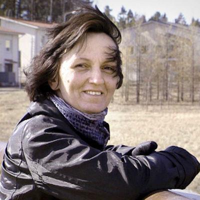 Ibadet Faziolova, pakolaisnainen.