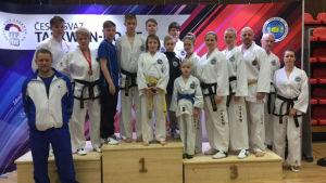 Finlands tävlingslag i taekwondo-tävlingen Czech open.