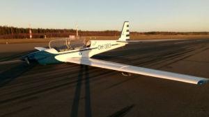 Flygplanet fotograferat efter nödlandningen.