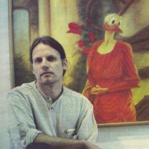 Kaj Stenvallin maalaus, ankka, taiteilija maalauksen edessä