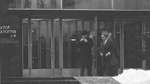 Urho Kekkonen avlägsnar sig efter att ha hållit nyårstal