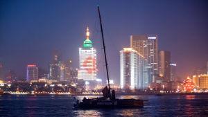 Ericsson 3 anländer sent till Qingdao i Ocean Race 2008/2009.