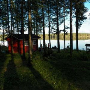 Vårt smultronställe där vi tillbringat våra midsomrar det senaste åren. Bastubad varje kväll och dopp i Hakojärvi är ett måste. Finns inget härligare sätt att ha rekreation på.