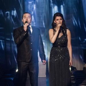 Teemu Roivainen ja Saara Aalto duetoivat Finaalin karsinnassa.