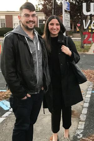 Jesse Roque och Alexandra Monaco röstade i en skola i Summit.
