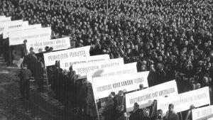 Generalstrejken 1956, Senatstorget i Helsingfors