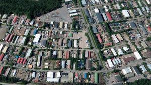Tattarisuon teollisuusalue kuvattuna ilmasta.