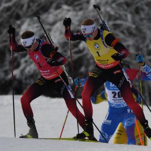 Sturla Lægreid och Johannes Thingnes Bø gör upp om förstaplatsen i världscupen.