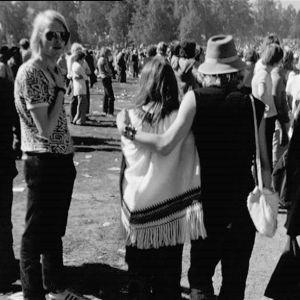 Yleisöä vuoden 1971 Ruisrockissa.