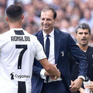 Massimiliano Allegri firar med Cristiano Ronaldo.
