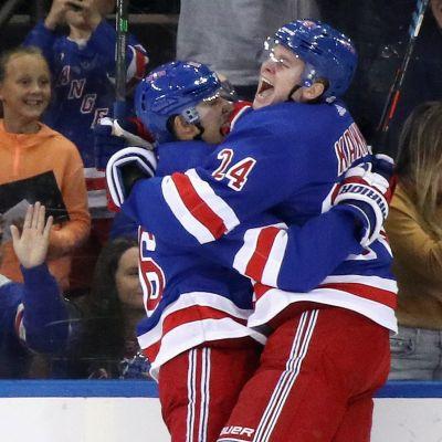 Kakolle toinen NHL-maali, Carolinan Svetshnikovilta uoea ilmaveivi