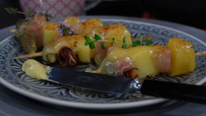 Raclette skall ätas riktigt varm.