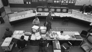 Loviisan ydinvoimalan valvomo vuonna 1976.