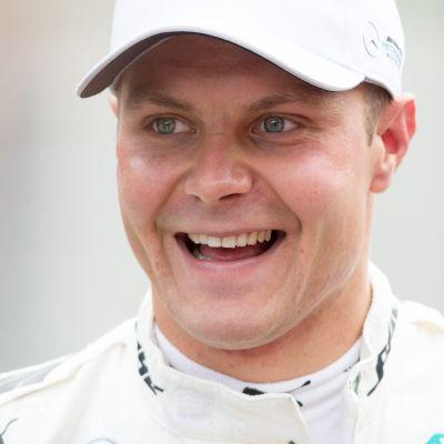 Valtteri Bottasta hymyilytti.