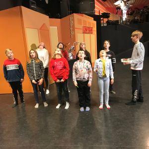 Åbolands teaterskola övar inför storsatsningen Marsipanpojken