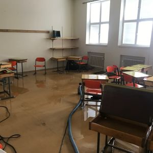 Vattenskadat klassrum i Ristikari skola i Jakobstad.