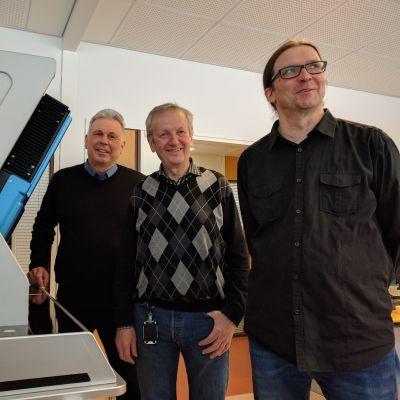 FocalSpec-yhtiön johtokolmikko: Edessä Karri Niemelä, keskellä Sauli Törmälä ja takana Heimo Keränen