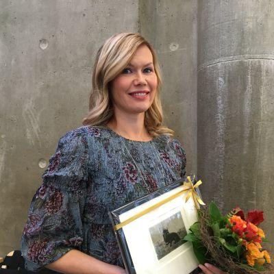 Kirjailija Minna Rytisalo sai ensimmäisen Botnia-palkinnon.