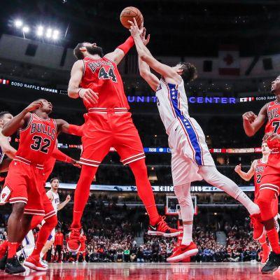 Chiocago Bulls vastaan Philadelphia 76ers.