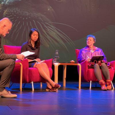 Arctic biodiversity congress. Martin Breum (vas.), Tasha Elizarde ja Gunn-Britt Retter.