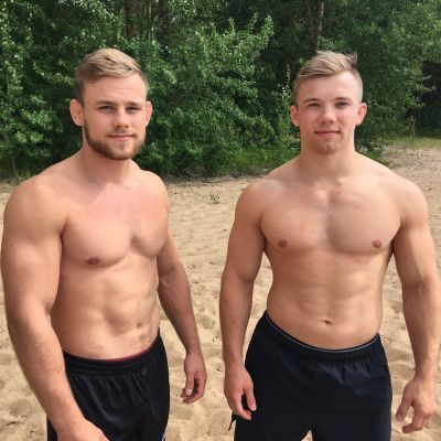 Vasemmalla on Seinäjoen painimiesten Rami Syrjä ja oikealla Lapuan Virkiän Mikko Peltokangas