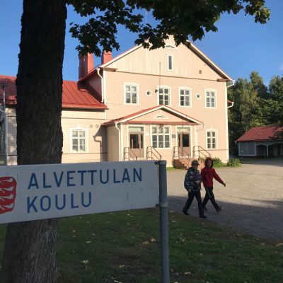 Alvettulan koulu