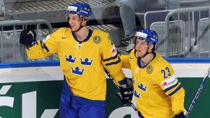 Linus Omark och Johan Harju (t.v.), VM 2010