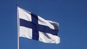 Kuvassa Suomen lippu