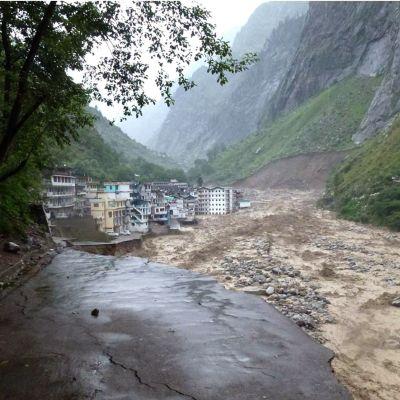 Det här är en arkivbild på floden Alaknanda och det aktuella området i juni 2013.