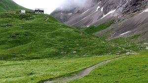 Enda sättet att ta sig till Anhalter Hütte är till fots.