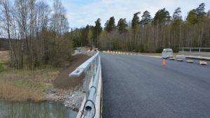 Nya bron över Rödhällsundet i Pargas.