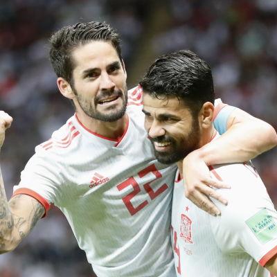 Isco och Diego Costa firar.