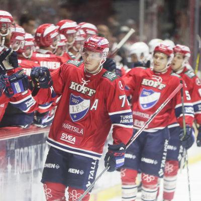 Helsingfors IFK jublar efter mål.