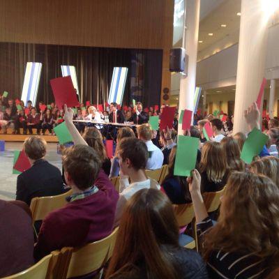 Partiledardebatt i Lärkan