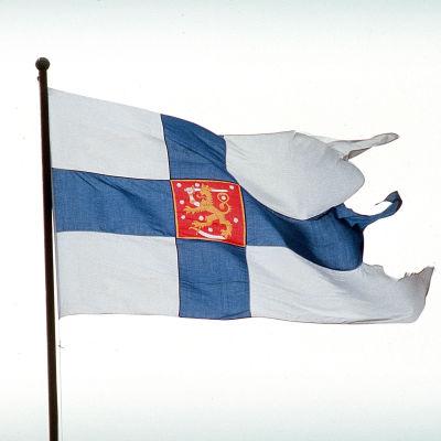 Suomen puolustusvoimien lippu