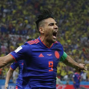 Radamel Falcao firar mål.