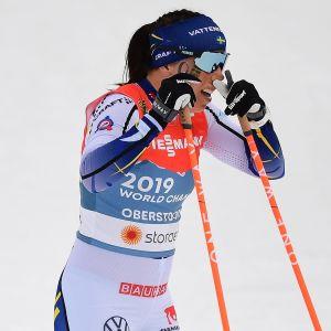 Charlotte Kalla fick inte alls till det i VM-stafetten i Oberstdorf.