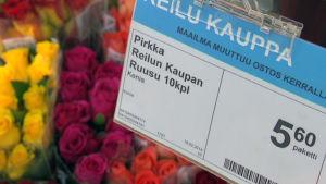 Reilun kaupan ruusukimpun hinta kuluttajalle.