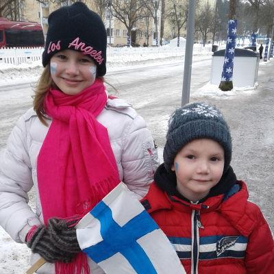 Sisarukset fanittavat Lahden MM-hiihdoissa vuonna 2017