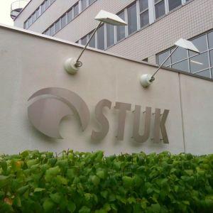 Bild på STUK:s kontorsfasad.