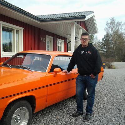 Erik Lindvall från Roadrockets med sin Plymouth Duster