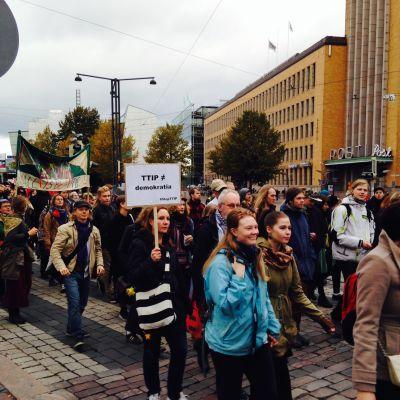 demonstration mot  frihandelsavtalet TTIP
