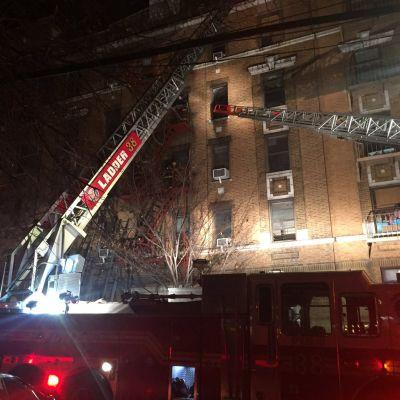 Myndigheterna befarar att dödstalet ännu stiger efter branden i ett bostadshus i stadsdelen Bronx