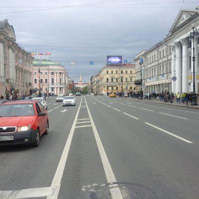Näkymä Nevski prospektilta admiraliteetin suuntaan.