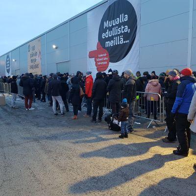 Verkkokauppa.comin avajaiset Raisiossa 8.3.2018.